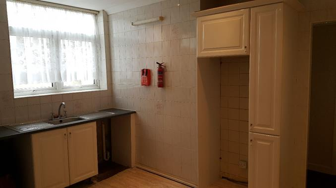 Self contained flat 8 Kitchen